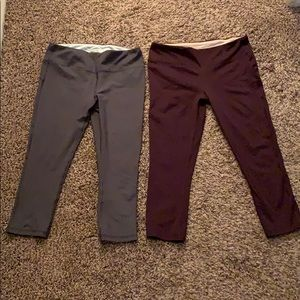 (2) pair crop yoga leggings